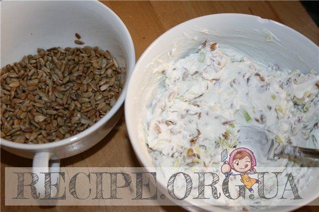 """Рецепт с фото - """"Наполеон"""" из свеклы: приготовить сырную смесь"""
