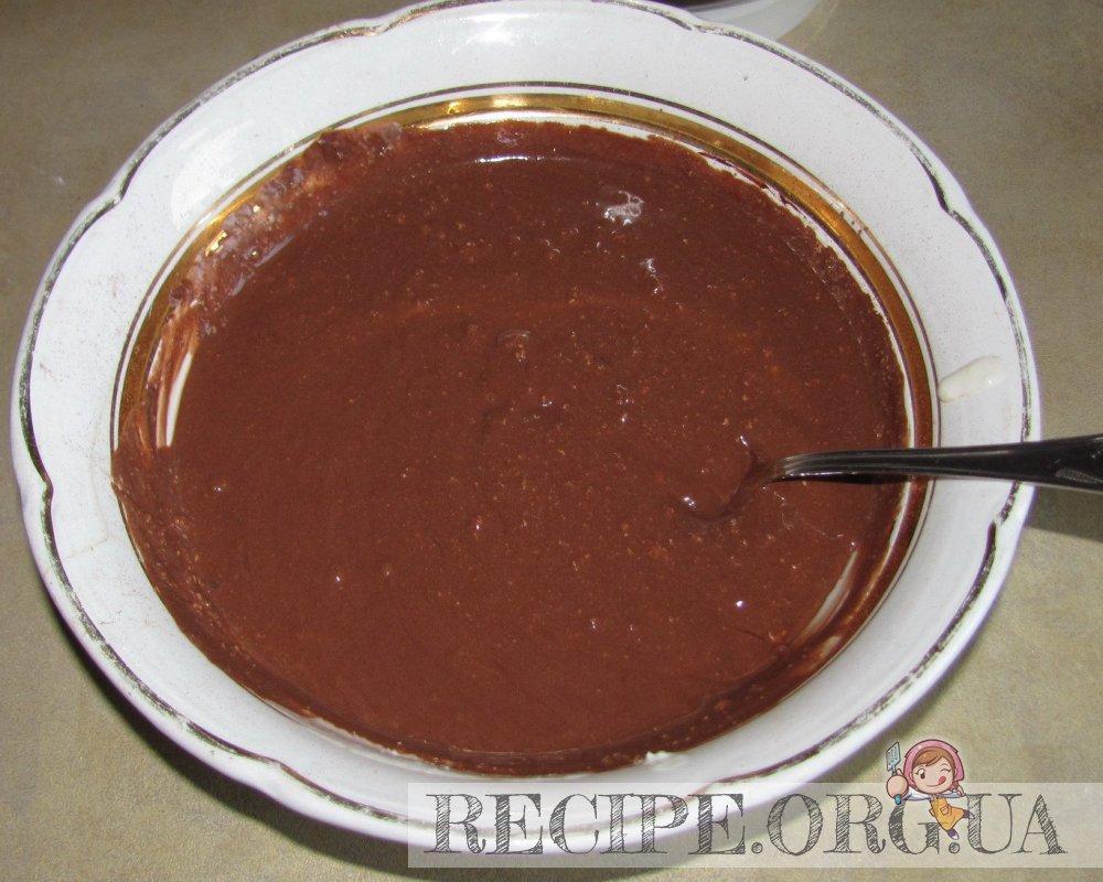 Рецепт с фото - Мраморный чизкейк без муки: 1/3 творожной массы смешать с шоколадным соусом