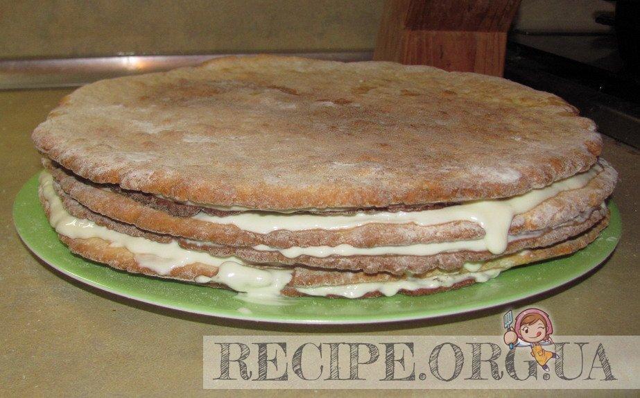 Рецепт с фото - Торт «Мишка»  сметанный: промазать коржи кремом